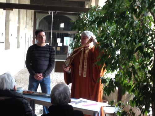 M.Coignac, pâtissier et M.Rougerie de la Confrérie du Massepain de Saint-Léonard